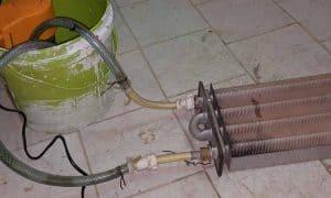دلیل کم شدن فشار آب گرم